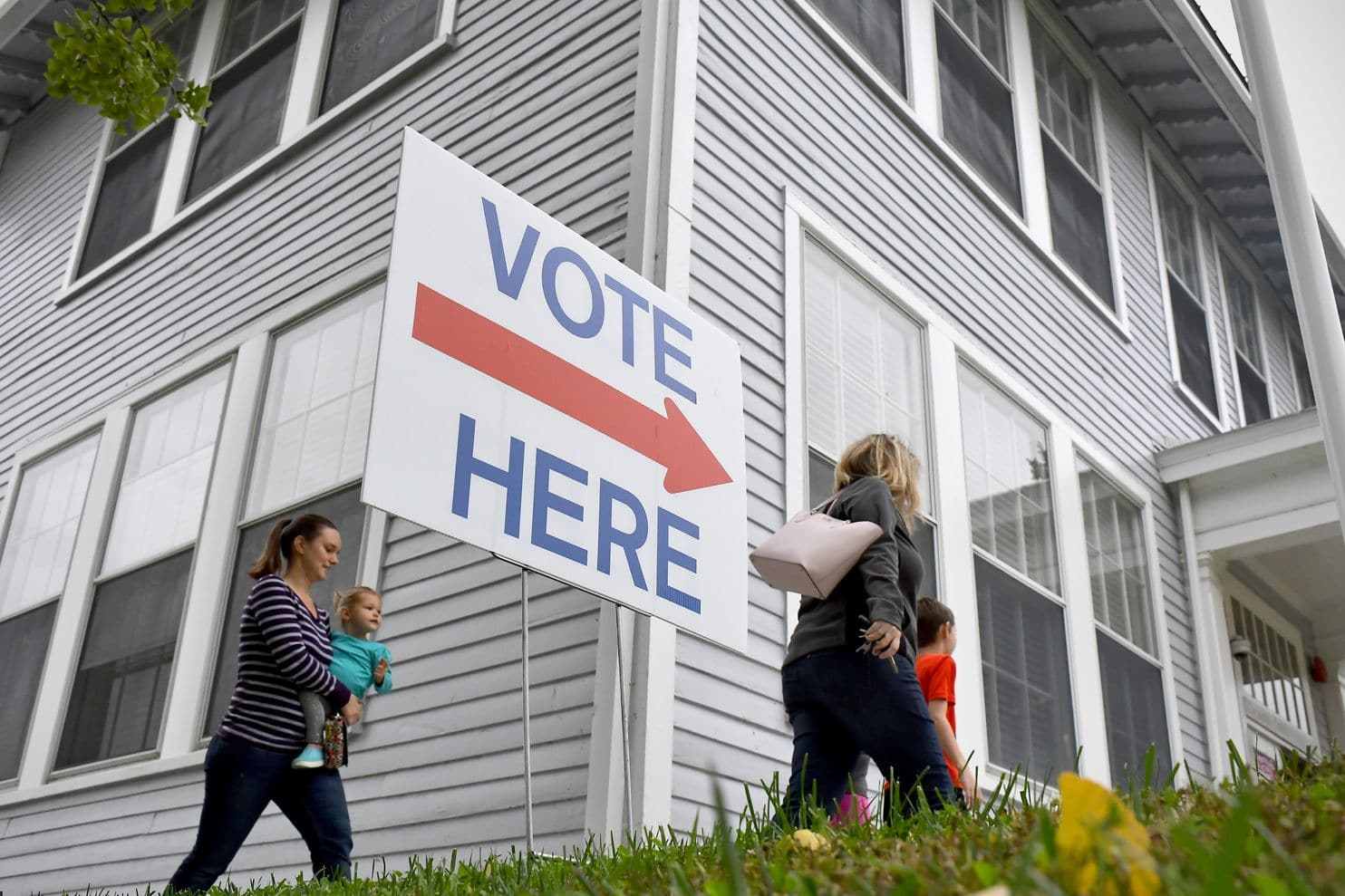 Flipping Virginia blue can be done. But it won't be easy.
